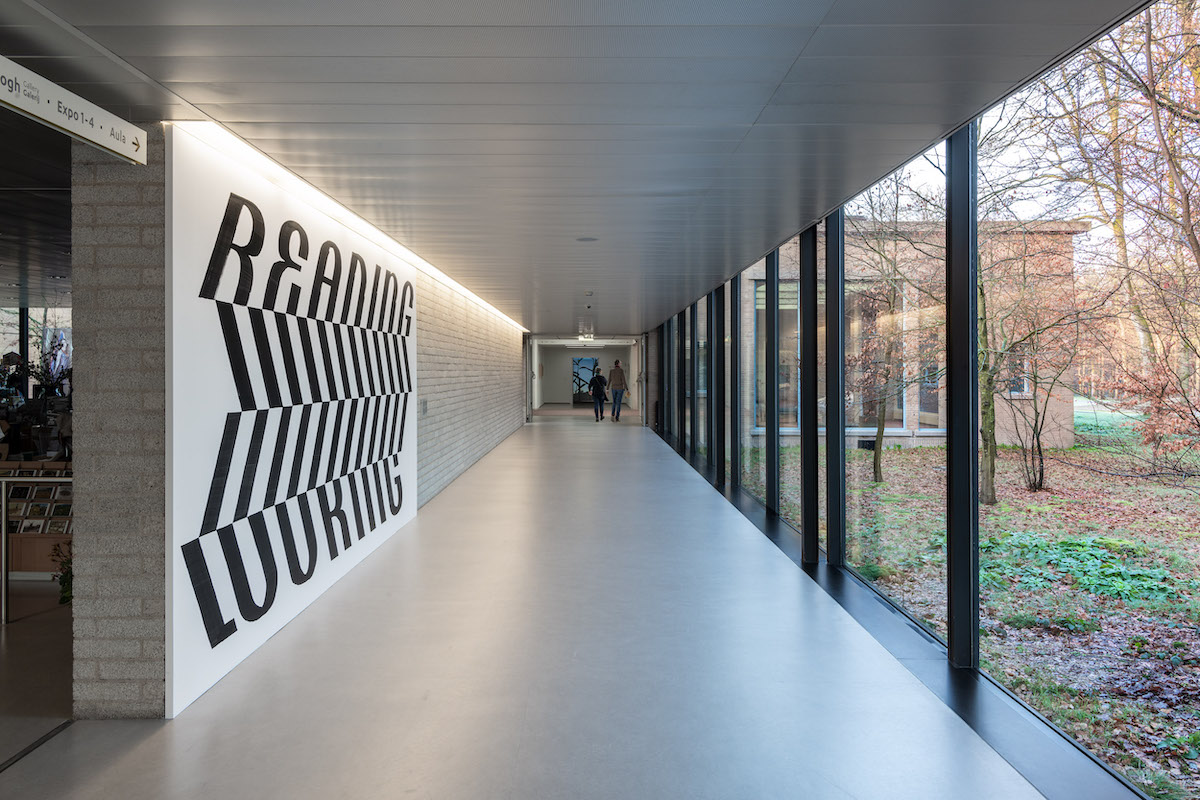 Mural for the exhibition 'Not In So Many Words' at the Kröller-Müller Museum, 2020.