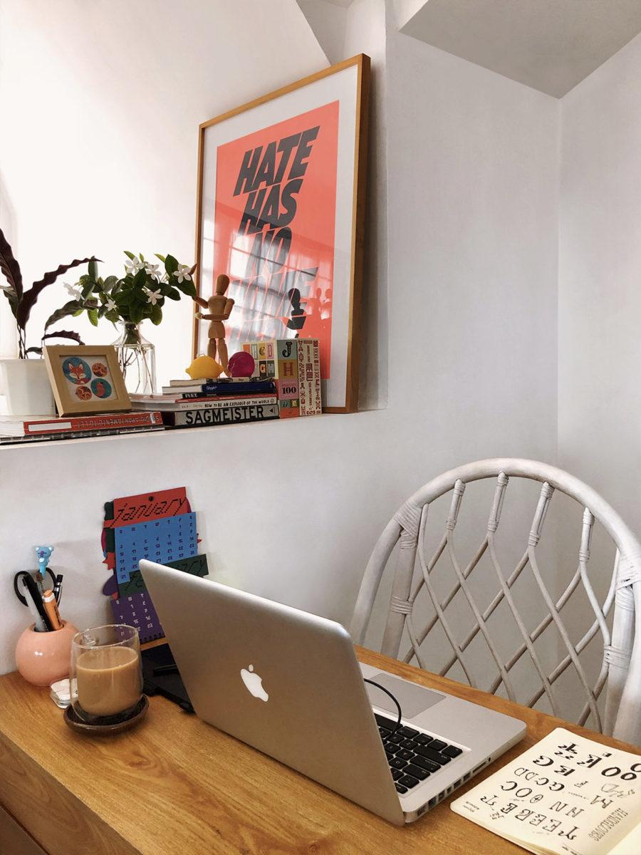 Freelance Type Designer Jo Malinis' desk setup